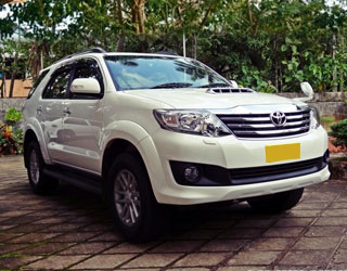Fortuner Car Rental in Amritsar